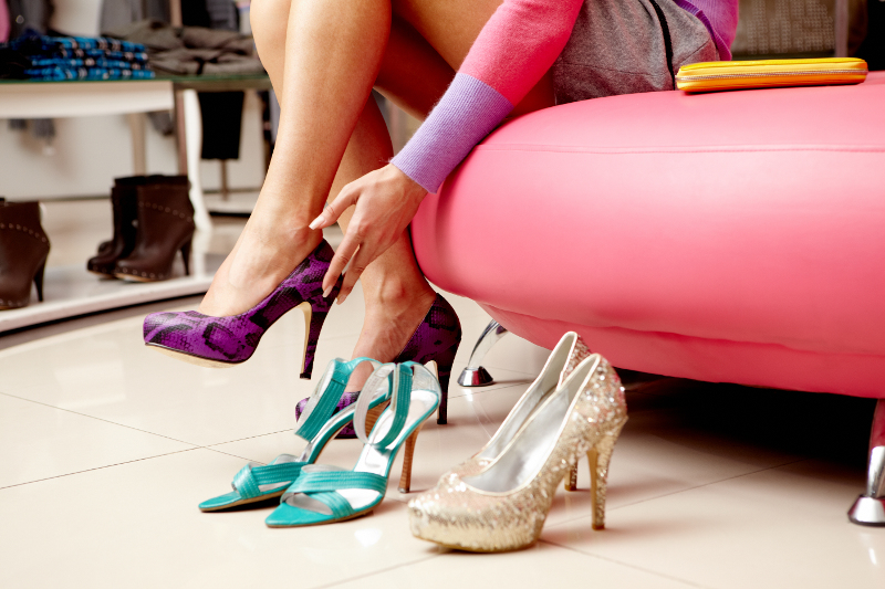 Donna e scarpe: amore e odio