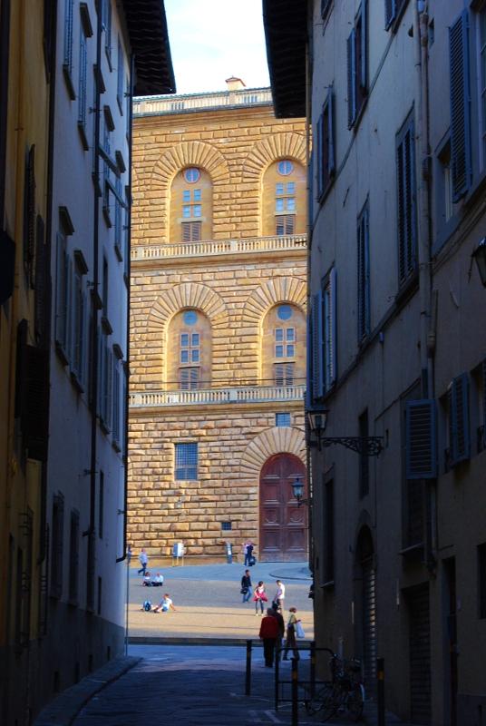 Oltrarno alla scoperta della firenze pi genuina top for Palazzo pitti orari
