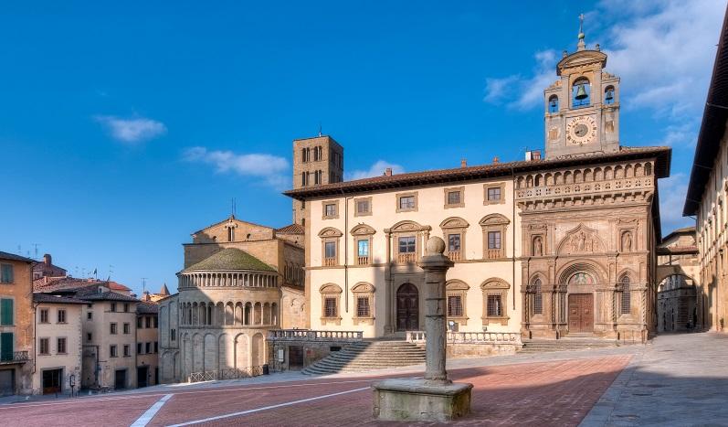 Arezzo-Top_Life-Magazine_Arezzo