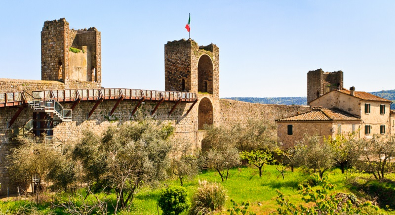 Monteriggioni-Top_Life-Magazine_Siena