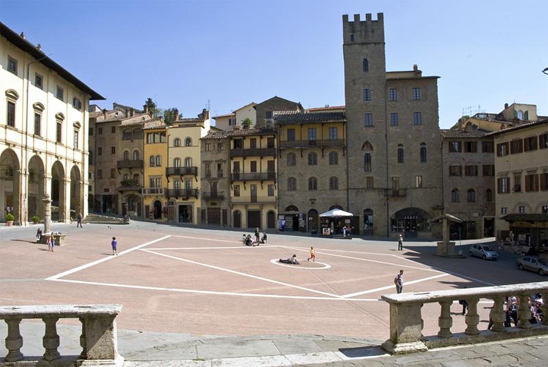 Arezzo 3 luoghi da visitare top life magazine for Idea casa arezzo