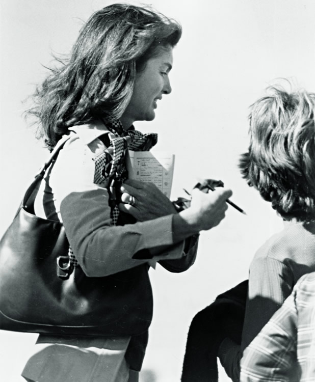 Jacqueline-Onassis-1970s-Gucci-Bag