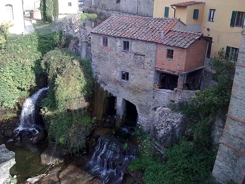 Loro_Ciuffenna_-_Mulino_ad_acqua_Loro_Ciuffenna_Arezzo_-_Mulino_ad_acqua_(secolo_XI)