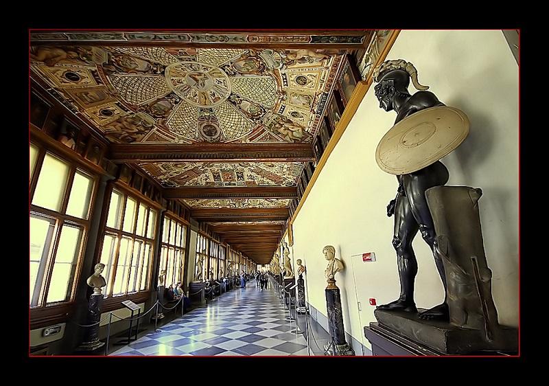Galleria-degli-Uffizi-a18932112