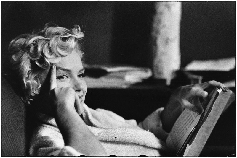 Elliott_Erwitt_USA_New_York_Us_actress_Marilyn_Monroe_1956_03