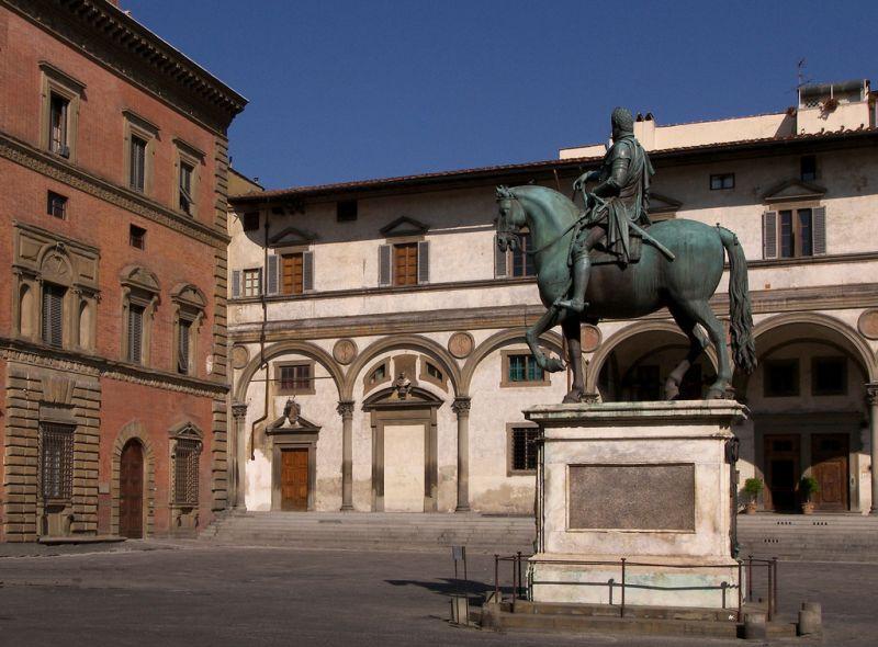 Palazzo_Budini_gattai_piazza_ss_Annunziata