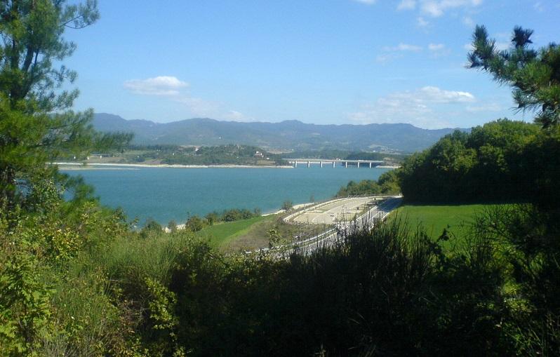 Lago di Bilancino - da 43°58'11'' N 11°15'42'' (290 m.s.l.) verso NE