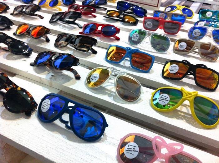 Lo stand degli occhiali AL e RO design