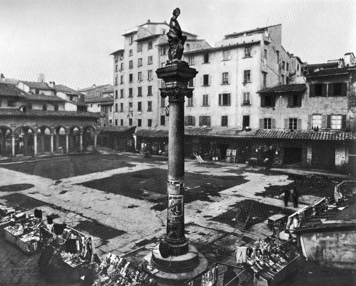 Repubblica_square_in_1883_(colonna_dell'abbondanza)